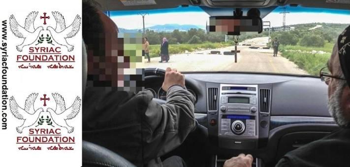 Η τελευταία φωτογραφία του επισκόπου Γιοχάννα στις 17 Απριλίου δηλ.5 ημέρες πριν την απαγωγή.Η φωτογραφία τραβήχθηκε κοντά στη Χομς.
