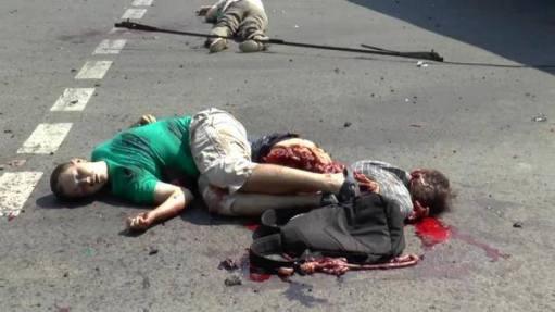 """αυτές οι εικόνες από το Λουγκανσκ με δολοφονίες αμάχων στην αφρικανικού τύπου """"δημοκρατία"""" του Ποροσένκο δεν είναι καταπάτηση του Διεθνούς Δικαίου;"""