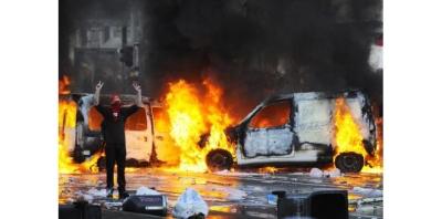 12449551-bruxelles-dockers-et-extreme-droite-mis-en-cause-apres-les-incidents-de-la-manifestation