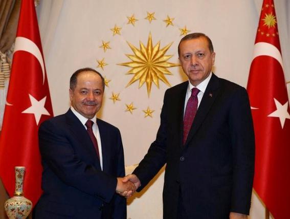 Turkey's President Tayyip Erdogan shakes hands with President of Iraqi Kurdistan Masoud Barzani (L) at the Presidential Palace in Ankara, Turkey, August 23, 2016. Kayhan Ozer/Presidential Palace/Handout via REUTERS