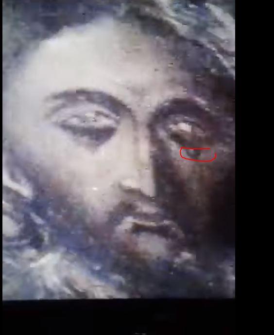 ΜΕΓΑ ΣΗΜΕΙΟ: Eικόνα του Χριστού δακρύζει κι ανοιγοκλείνει τα μάτια στο Άγιο Σπήλαιο της Γεννήσεως στη Βηθλεέμ!! ΕΡΧΟΝΤΑΙ ΔΡΑΜΑΤΙΚΕΣ ΕΞΕΛΙΞΕΙΣ ΛΟΓΩ ΤΗΣ ΑΠΟΣΤΑΣΙΑΣ!!! (βίντεο)
